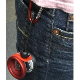 Yoyo holder můžete si ho připnout kamkoliv.