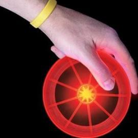 LED svíticí frisbee...